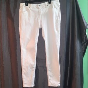 White Denim Skinny Jeans. Great Condition.